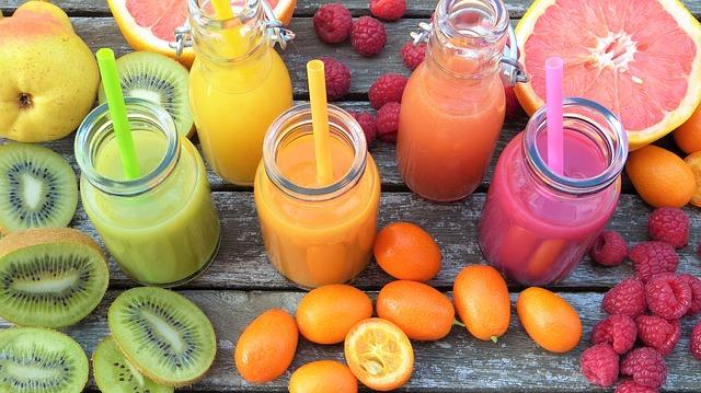 Photo of על היתרונות הבריאותיים שבהכנת מיצים ושייקים טבעיים